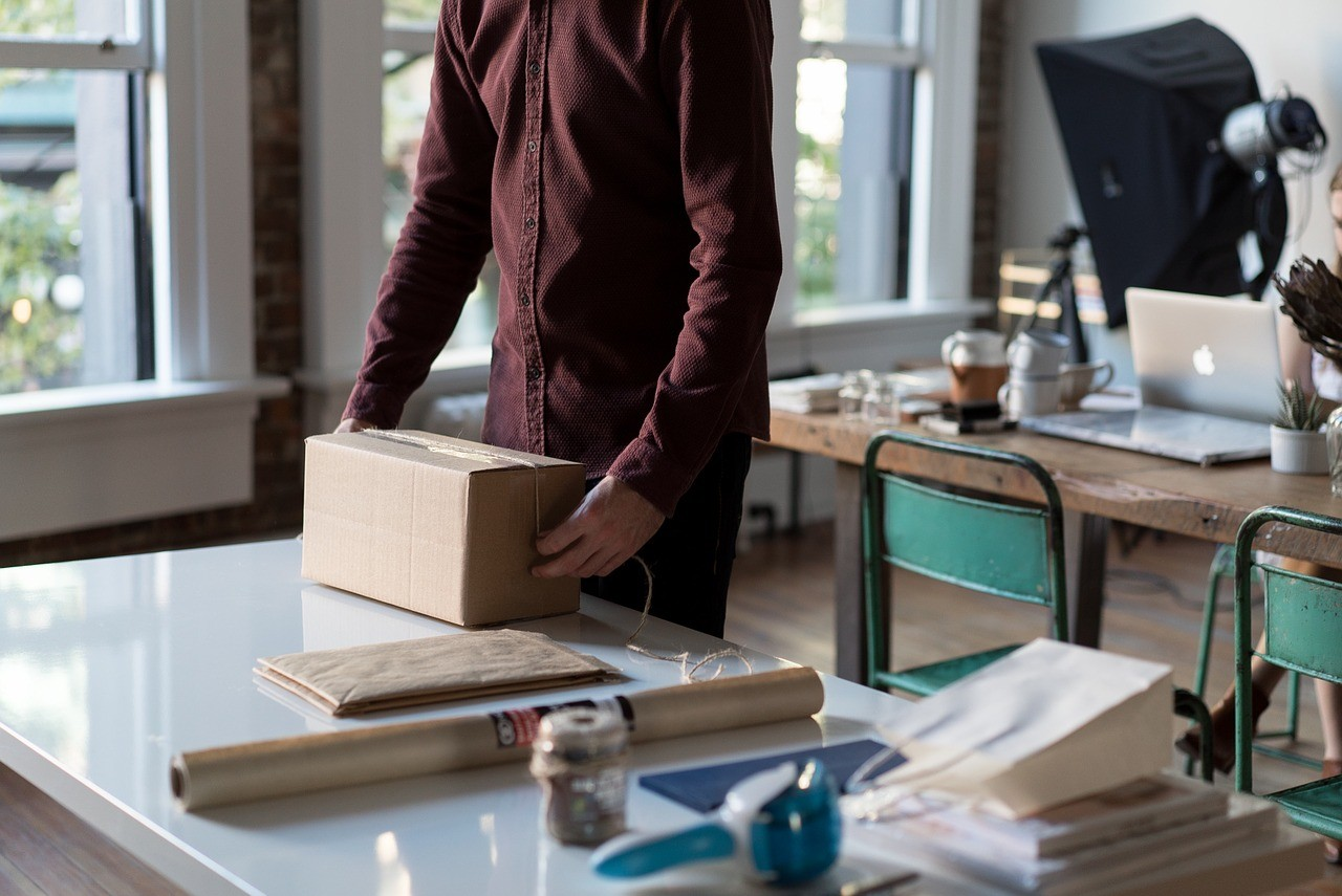 Which shipping carrier is better for small merchants